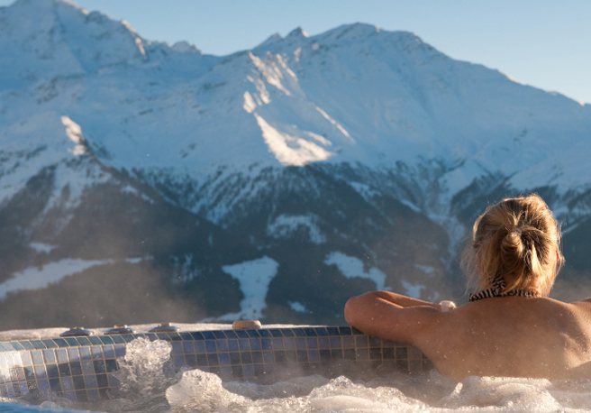 Exclusive ski chalets with hot tubs