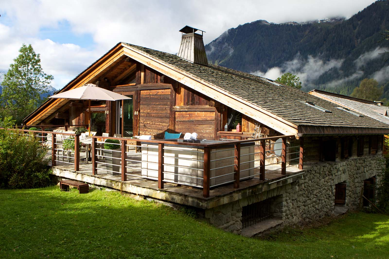chalet la ferme du bois in chamonix by skiboutique. Black Bedroom Furniture Sets. Home Design Ideas