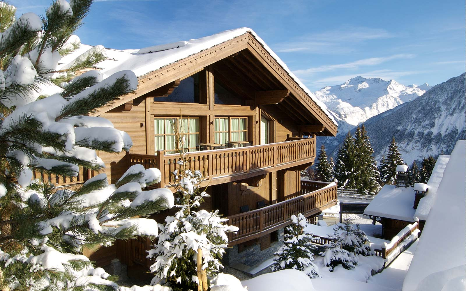 Chalet blanchot in courchevel 1850 by skiboutique for Boutique skihotel