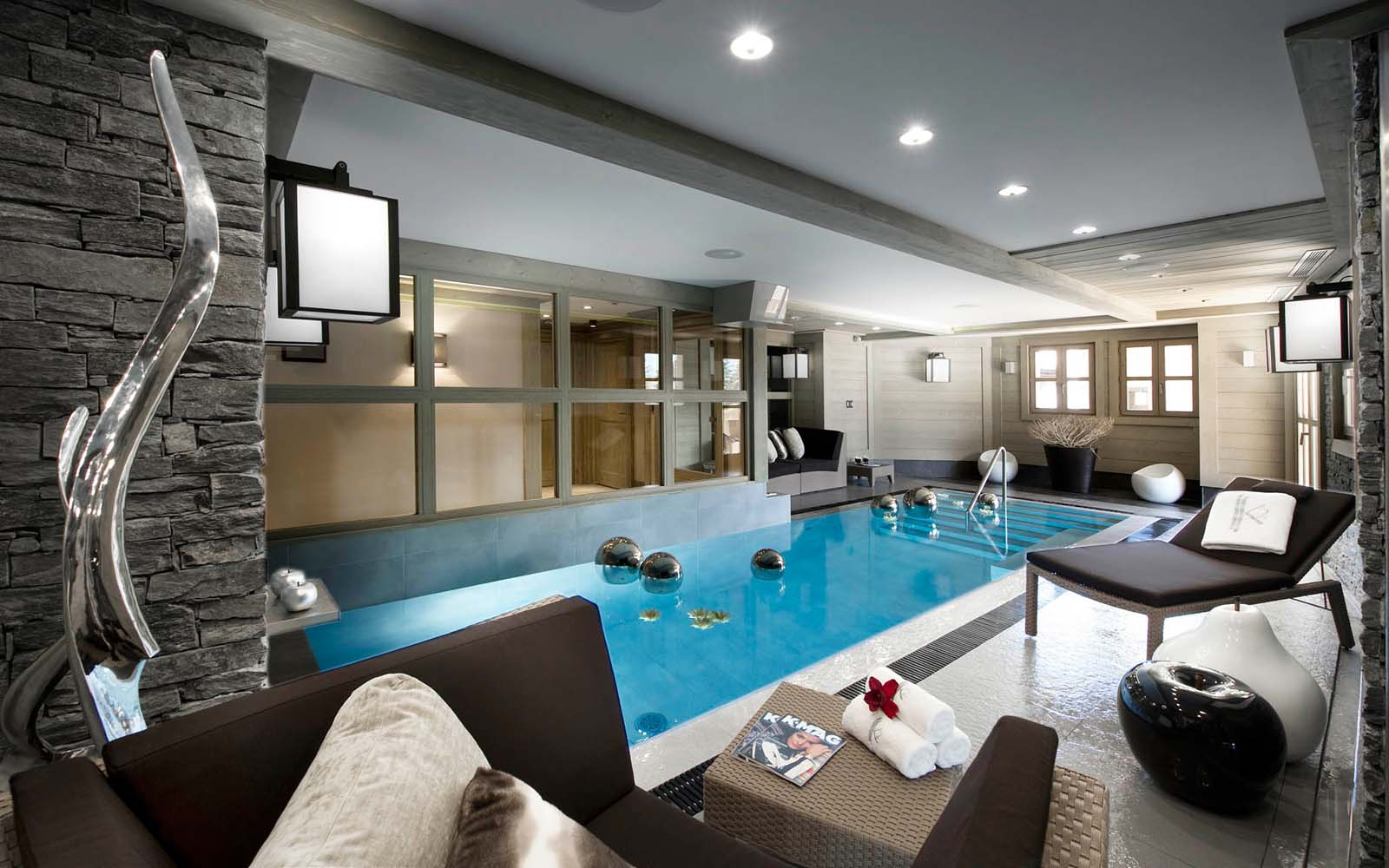 Chalet muztagh in courchevel 1850 by skiboutique for Interior pool