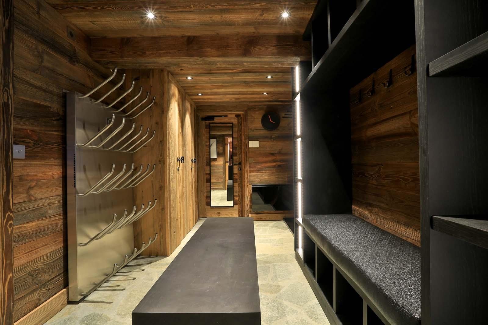 Chalet carcajou in meribel by skiboutique for Boutique skihotel