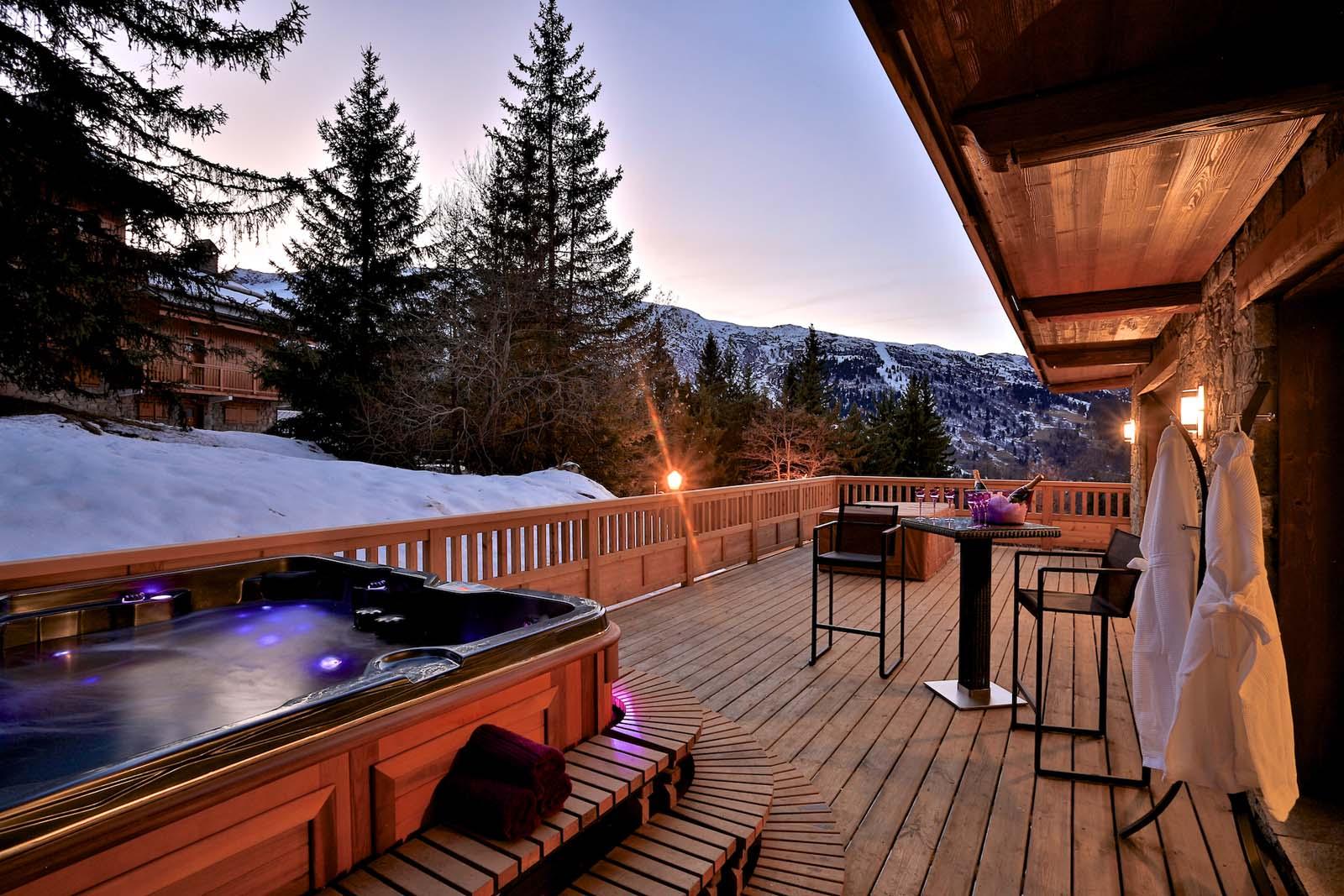 chalet pont du cam in meribel by skiboutique. Black Bedroom Furniture Sets. Home Design Ideas