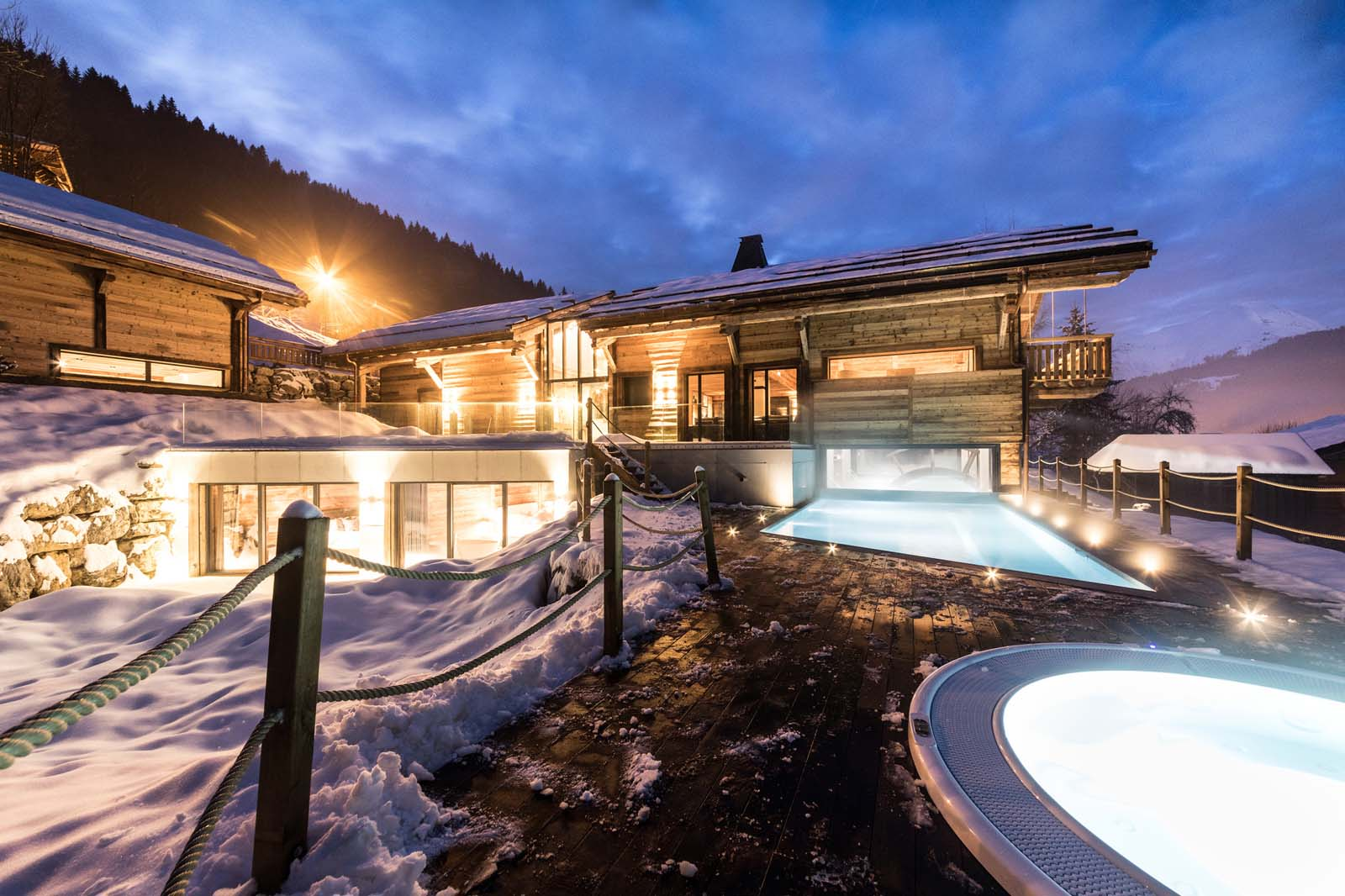 Chalet joux plane in morzine by skiboutique for Boutique hotel ski