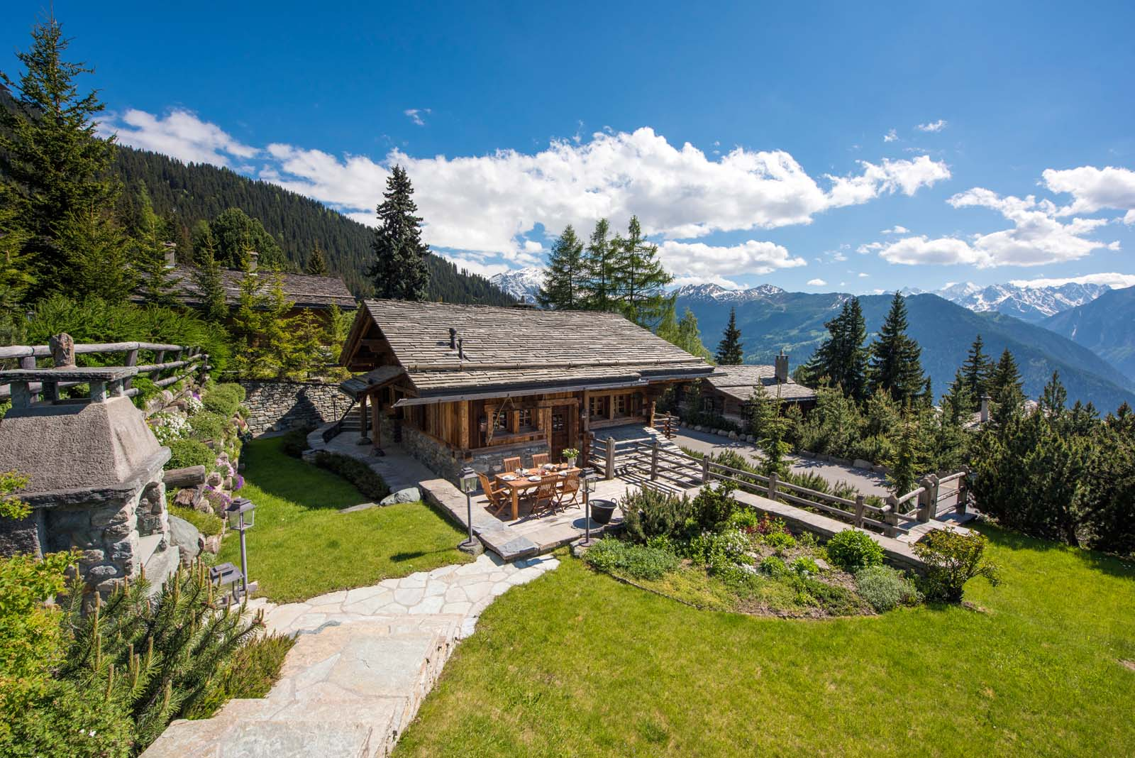 Chalet le ti in verbier by skiboutique for Mtn chalet