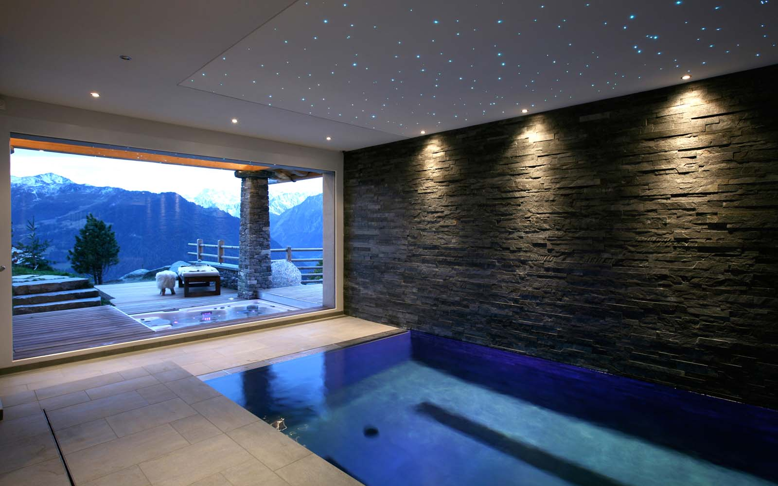Chalet spa verbier in verbier by skiboutique for Spa swimming pool